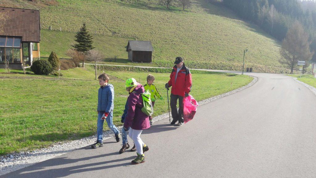 berg-und-naturwacht-saubere-steiermark-fruehjahrsputz-ardning-volksschule-2